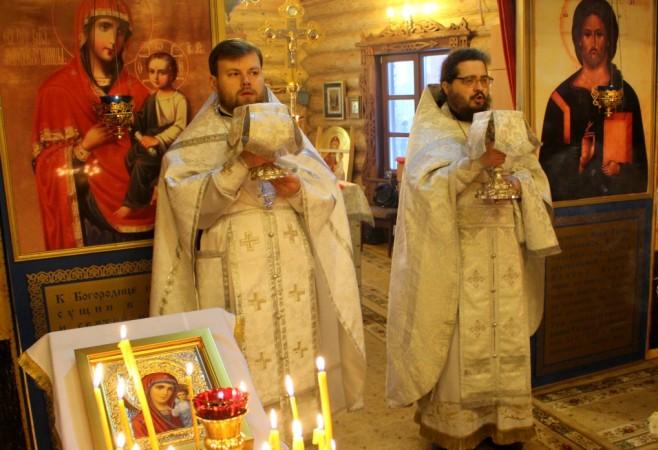 Литургия с сурдопереводом и чином Великого Освящения воды в праздник Крещения Господня