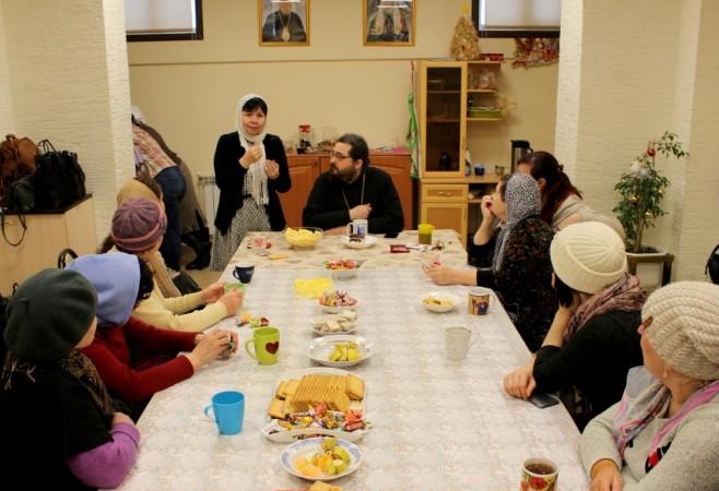 Встреча настоятеля храма с глухими и слабослышащими прихожанами