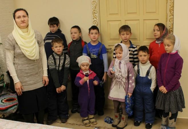 Занятие с воспитанниками в Детской воскресной школе