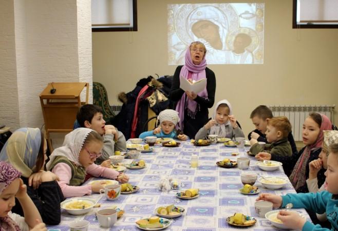 Очередное занятие в Детской воскресной школе храма иконы Божией Матери «Скоропослушница» г.Чебоксары