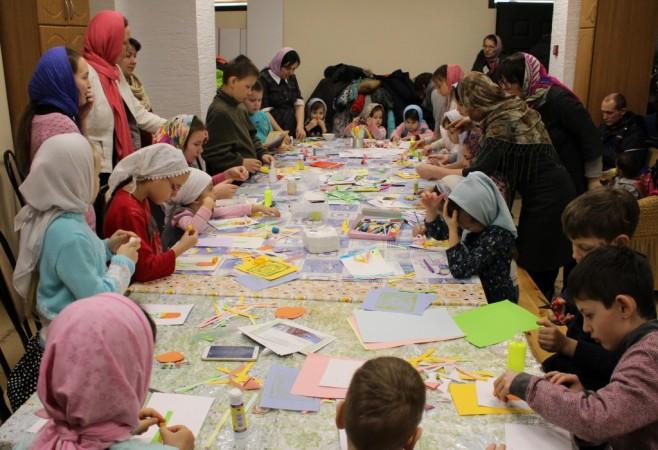 Занятие в Детской воскресной школе храма