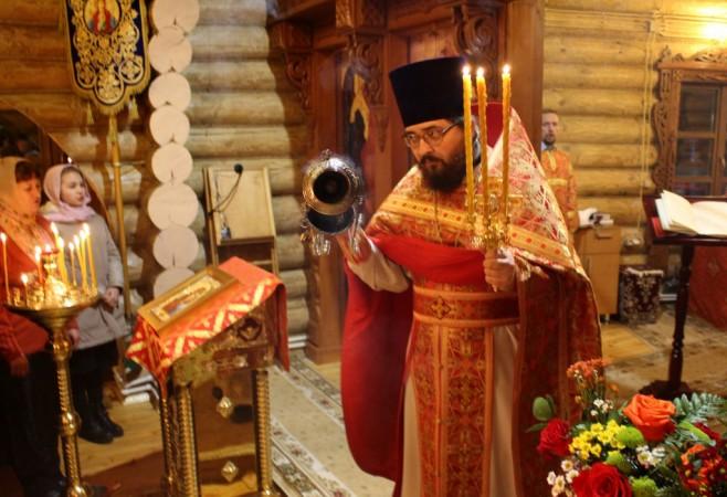 Пасхальное богослужение с сурдопереводом