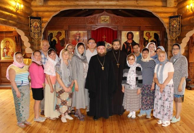 Встреча с духовником Вятской православной общины глухих и слабослышащих во имя святой царицы Елены