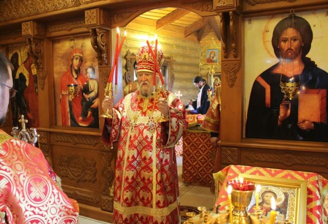 Архиерейское богослужение с сурдопереводом в храме иконы Божий Матери «Скоропослушница» г.Чебоксары