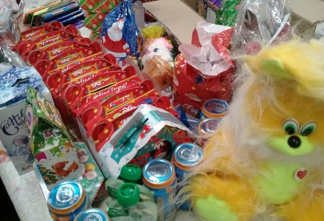 подарки для нуждающихся в рамках благотворительной акции «Рождественское чудо»
