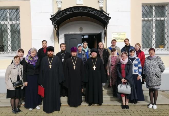 Стартовали очередные курсы русского жестового языка с церковным уклоном