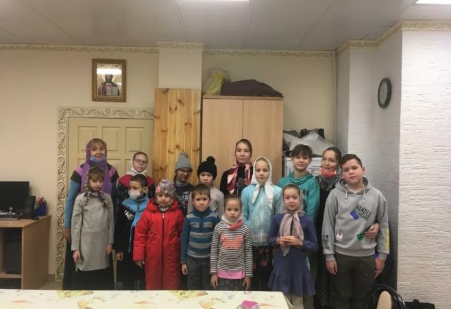 Воспитанникам воскресной школы рассказали о престольном празднике храма