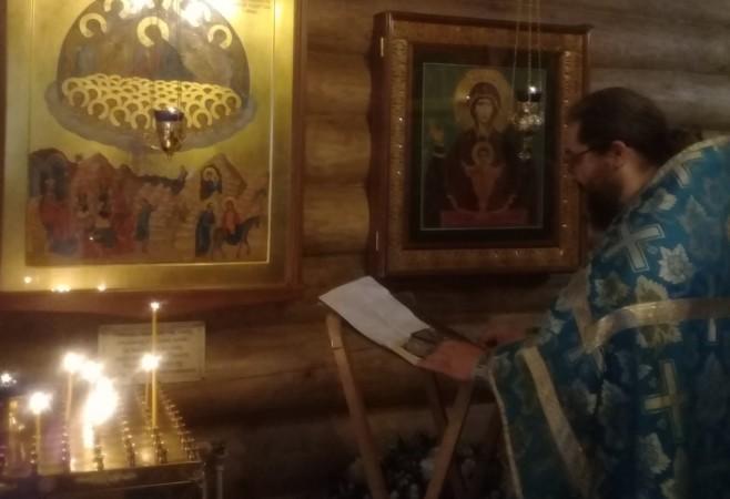 В храме иконы Божией Матери «Скоропослушница» отслужили молебен Вифлеемским младенцам-мученикам