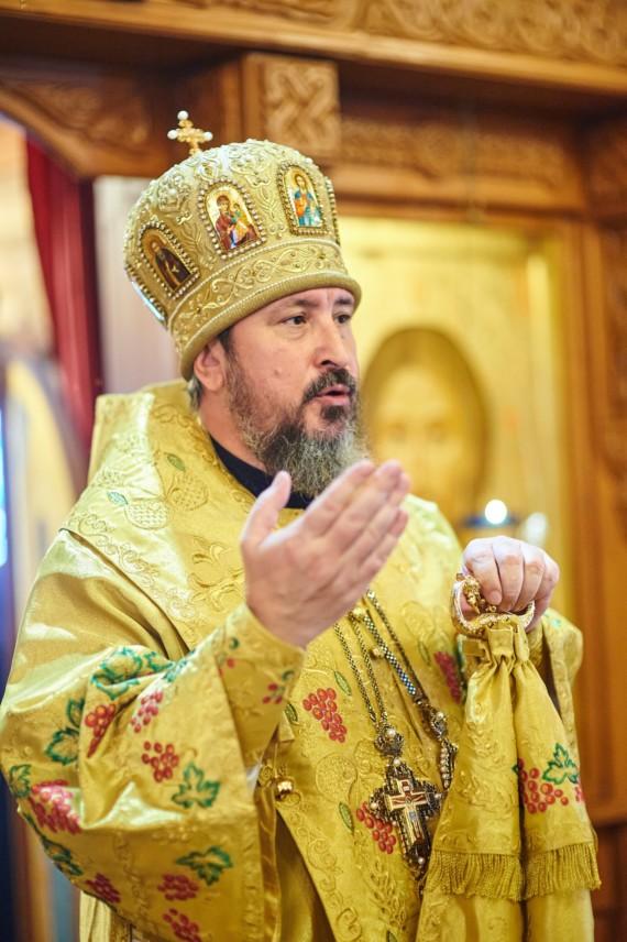 Митрополит Чебоксарский и Чувашский Савватий совершил Божественную литургию в храме иконы Божией Матери «Скоропослушница»