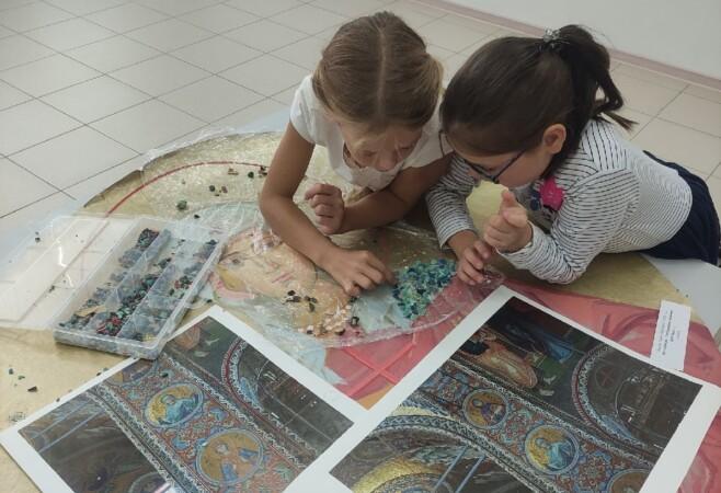 Воспитанники детской воскресной школы посетили выставку «Церковное искусство Чувашии»